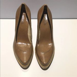 MICHAEL KORS Shoes Size7.5 Block Heels Tan Leather